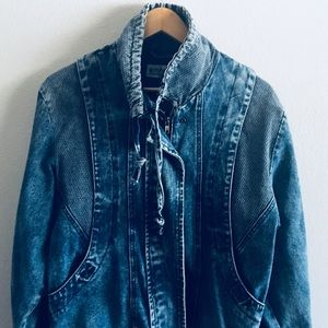 VINTAGE SMALL 90s Jean Jacket!!!